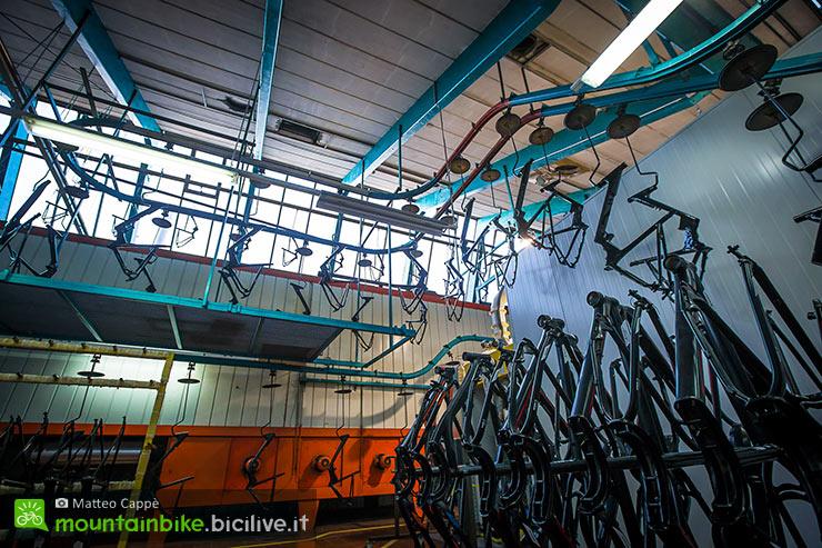 ktm-bici-austria-azienda-nastro-telai